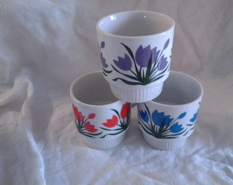 On Sale Retro Kitchen Stylecraft 1239 Set of 3 Stackable Mugs with Tulip Designs Made in Japan