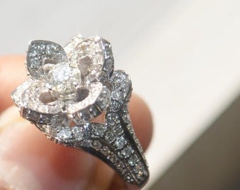 READY to Ship - UNIQUE Flower Rose Diamond Engagement Ring - 2.20 carat - 14 Krt white Gold - Size 7.5