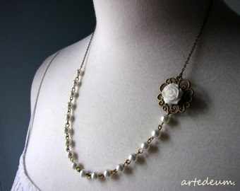Bridesmaid gift necklace Set of five Pearl Necklaces White Pink Blue Beige Rose Necklaces Custom Selection Gift for her
