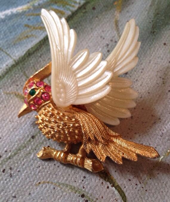 Vintage exotic Woodpecker type bird Rhinestone jeweled movable Winged Brooch