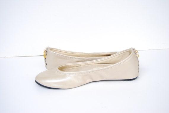 cuir blanc nacr ballet flats mari e ballerine chaussures sur. Black Bedroom Furniture Sets. Home Design Ideas