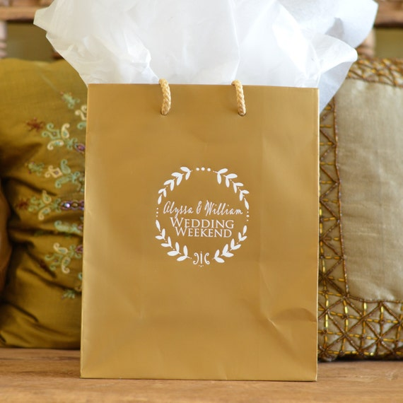 personalized hotel wedding welcome bags with wreath border set of 35