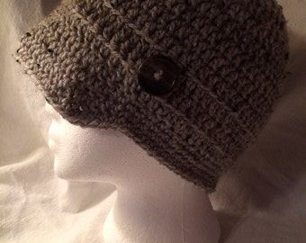 Crocheted Newsboy hat in gray tweed