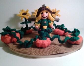 PDF crochet pattern - tiny little scarecrow
