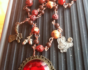 Snow White & the Huntsman Necklace Red and Brown