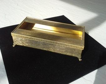 Vintage Stylebuilt Gold Tissue Box, Kleenex Holder Interesting Feet and Detail