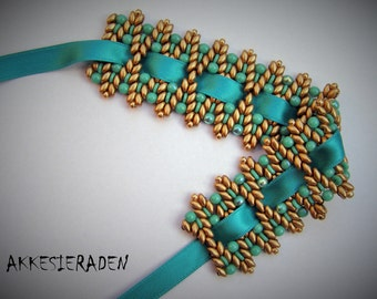 English pattern for the  Ribbon Bracelet Zig Zag with super duo beads