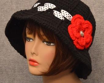 Womans Floppy Brim Hat in Black