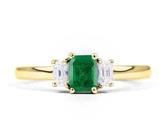 18ct Yellow Gold Emerald & Diamond Baguette Engagement Ring 0.35ct 2.5mm