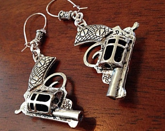 Gun Earrings, Cowgirl Earrings, Gypsy Earrings, Guns and Roses Earrings, Pistol Earrings, Revolver Earrings, Western Earrings