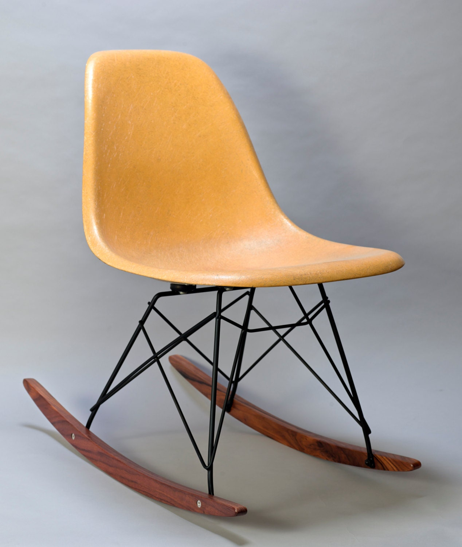 Eames Herman Miller Chair ROCKER BASE Black frame walnut