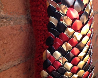 "The ""Harley"" - Red, Black & Gold Scalemail Gauntlets"