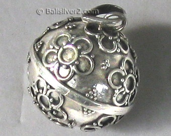 Sterling ,Silver,,pendent ,Harmony bells, necklace Jingle bell, chime. Bali design.