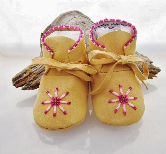 Handmade Baby Girl Leather Moccasins with pink beads. Moccs