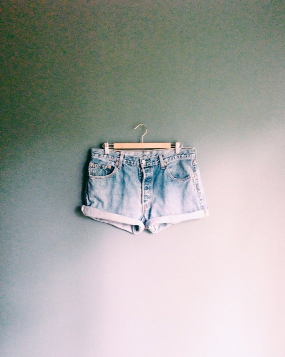 Levis 501 ∆ Levi Denim Shorts ∆ Levis Cut Offs ∆ High Waisted Levis Shorts ∆ Levi 501 Shorts ∆ Light Denim Shorts ∆ Light Denim Shorts ∆ 36