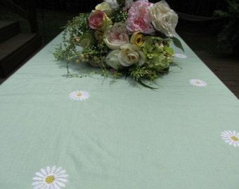 VintageGreen Daisy Table Cloth