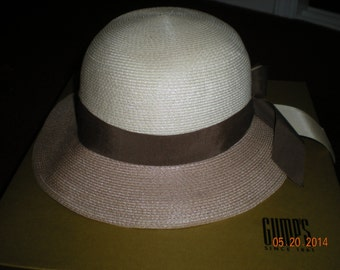 Spectacular Vintage Sandra New York Beige Straw Hat Made in USA Size 22 1/2 in Mint Condition