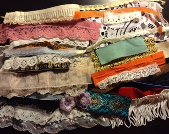 Assorted vintage lace, trim and ribbons (30 unique pieces)