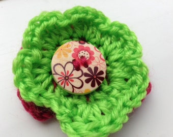 Red and Green Pin, Flower Pin, Flower Jewellery, Red Yarn Brooch, Red Wool Brooch, Green Yarn Brooch, Green Wool Brooch, Flower Brooch