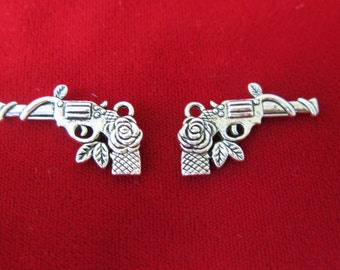 "8pc ""Pistol"" charms in antique silver style (BC276)"