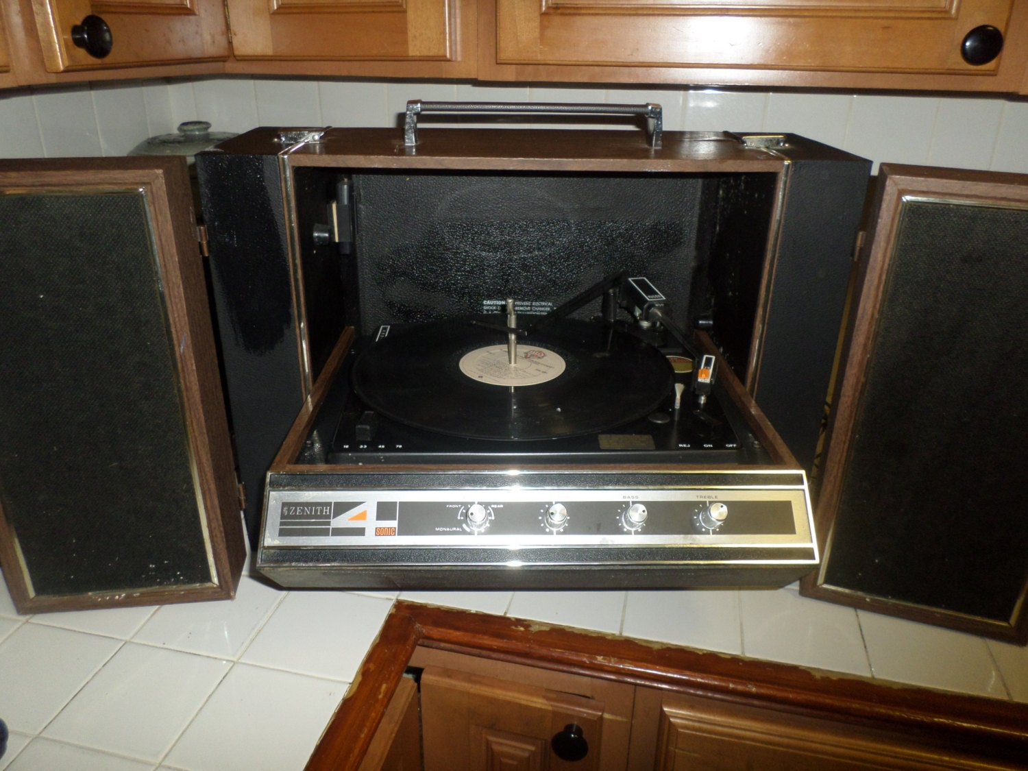 Rare Vintage Zenith Solid State Stereophonic Suitcase Record