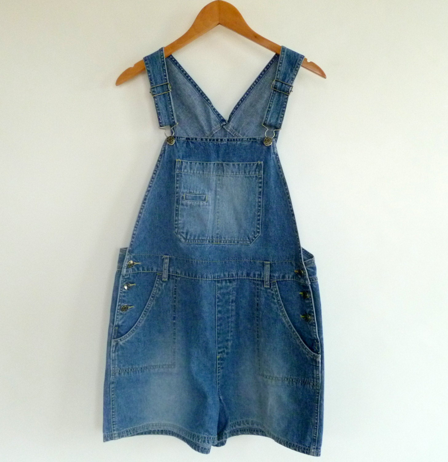 Shop cute overalls and coveralls for women this season. Slim & boyfriend fits, distressed details, cropped ankle & more styles on trend right now. Free Shipping Over $