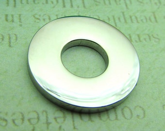 Round Washer, Stainless Steel Washer Pendant, Set of 3 SST Findings 17x17x2mm Cut Out Washer - Stampable Washer - Medium Donut (052)