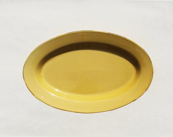 Grande Gamboge Ceramic Serving Platter