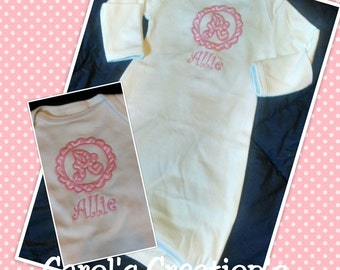 Baby Girl Coming Home Outfit/Personalized Baby Gown/Newborn Sleeper/Unique Baby Clothes/Baby Shower Gift/Monogram Baby Girl Gown/Coming Home