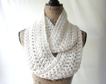 Infinity Scarf Crochet Ivory Cream Off White Chunky Infinity Scarf Cowl Neck Warmer
