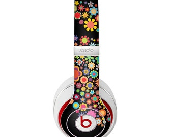 The Apple Icon Floral Collage Skin for the Beats by Dre Headphones (All Versions Available)