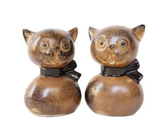 Vintage Cats Salt and Pepper Shakers, Wooden Style Kitty Table Serving Shakers, Ceramic Salt and Pepper Kitchen Shakers Cartoon Feline Japan
