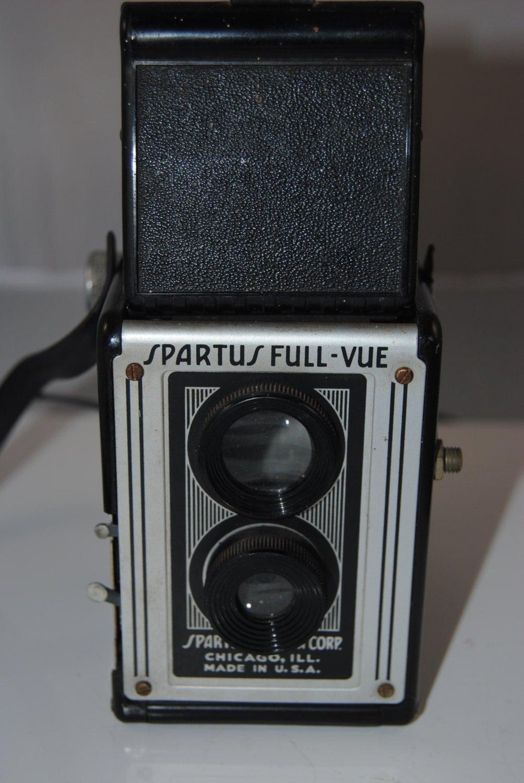 Vintage Spartus Full Vue 120 Box Camera