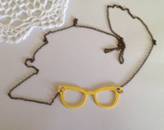 Vintage Style Glasses Necklace