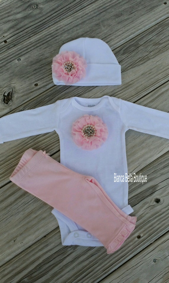 Shop for baby clothing, shoes and accessories at humorrmundiall.ga Find everything you need for the baby girl or bay boy in your life.