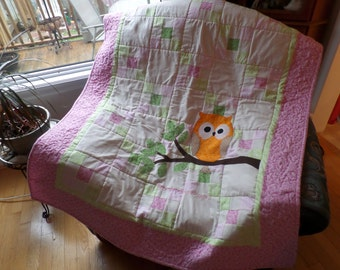 """Baby's cot quilt   'Remember Whooo Loves You"""" embroidery detail"""