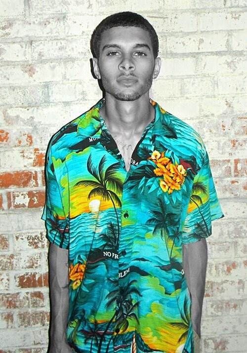Men's Vintage Hawaiian Button Up