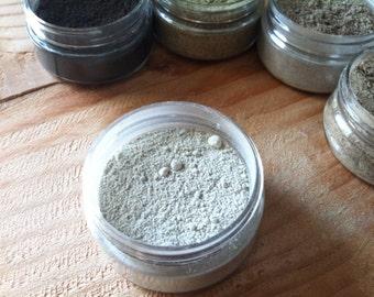 Natural Facial Mask {DAILY SOOTHING} ~ Oatmeal Facial Mask W/ Bentonite clay {Botanical Skin Care ~ 4 oz Jar}