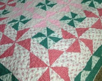 Pinwheel Bed Quilt #212