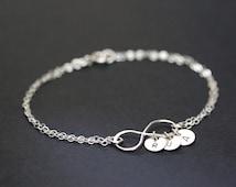 Personalized Infinity Bracelet, Initial Bracelet , Sterling silver disc charm, Mothers Bracelet Grandma Friendship Bracelet,Bridesmaid Gift