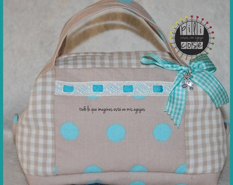 toilet bag turquoise dots