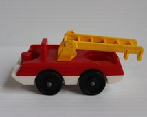LITTLE PEOPLE Red Fire Truck, Vintage Fisher Price Fire Truck with Ladder, vintage Little People toy,little people vehicle,fire fighting toy