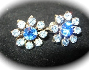 BLUE GLASS EARRINGS Screw Back Vintage 1950's  Rhinestone epsteam Costume Jewelry Daisy Flower