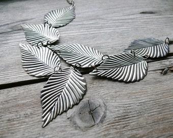 Vintage leaf-shaped necklace