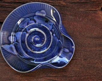 Stoneware pottery spoon rest snowflake blue deep tone