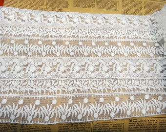 20cm White Lace Trim, Antique Lace Trim for  DIY wedding ,flower embroidered scalloped edges on both sides lace trim