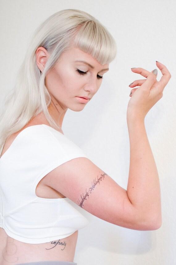 Script de tatouage temporaire elfique une bague gouverner - Tatouage seigneur des anneaux ...
