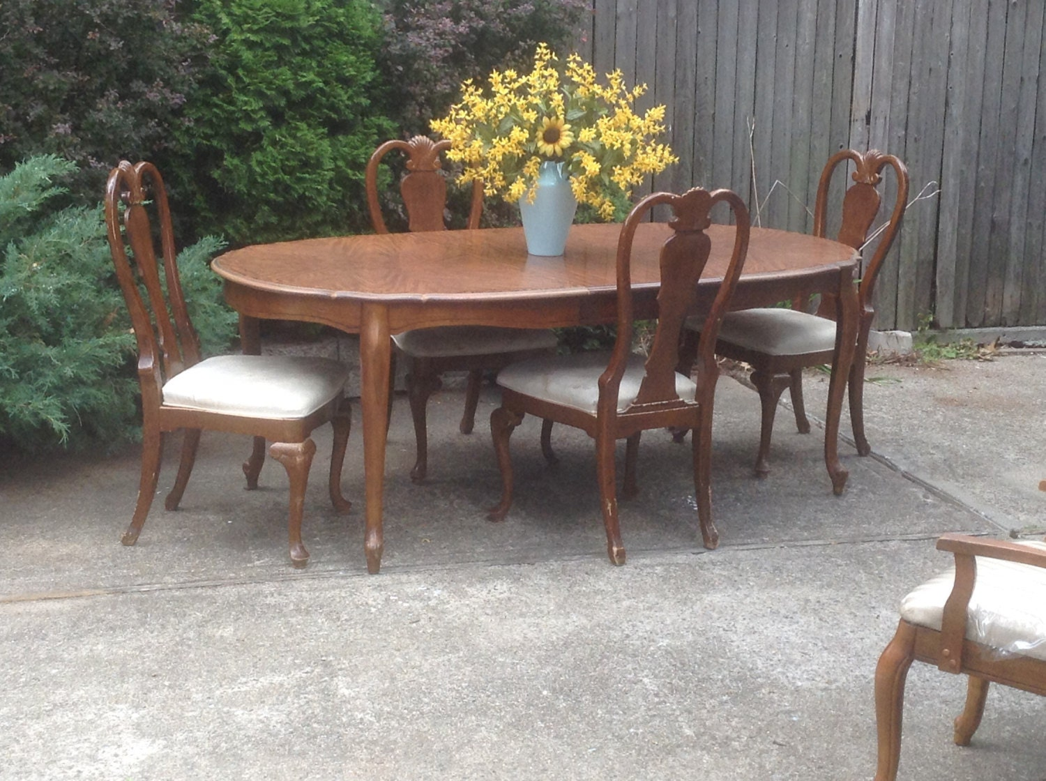 dining table and chairs french country