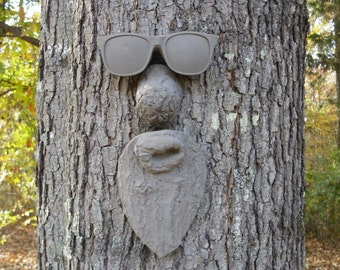 ZZ Trunk Tree Face
