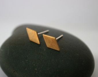 Diamond Raw Brass Post Earrings (11mm x 6.5mm)